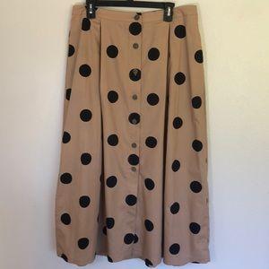 Who What Wear size 14 tan w/ black polka dot skirt